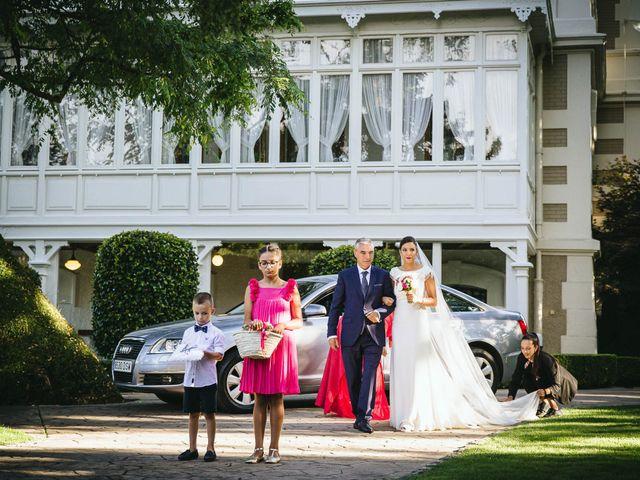La boda de Pedro y Marta en Oleiros, A Coruña 36