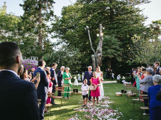 La boda de Pedro y Marta en Oleiros, A Coruña 38