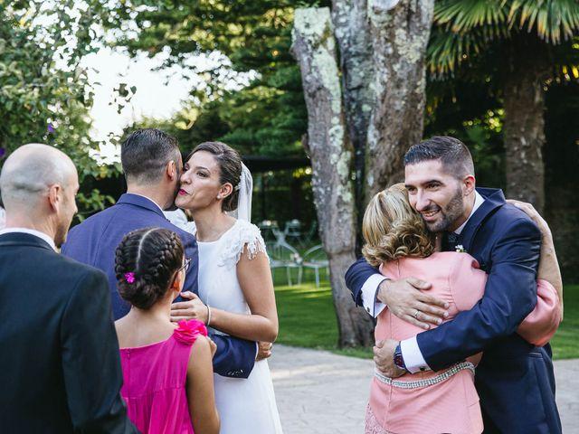 La boda de Pedro y Marta en Oleiros, A Coruña 58