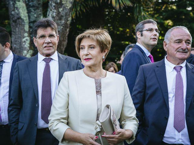 La boda de Pedro y Marta en Oleiros, A Coruña 63