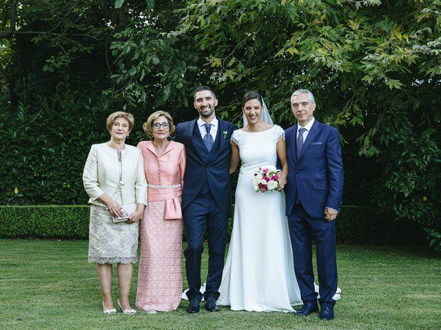 La boda de Pedro y Marta en Oleiros, A Coruña 71