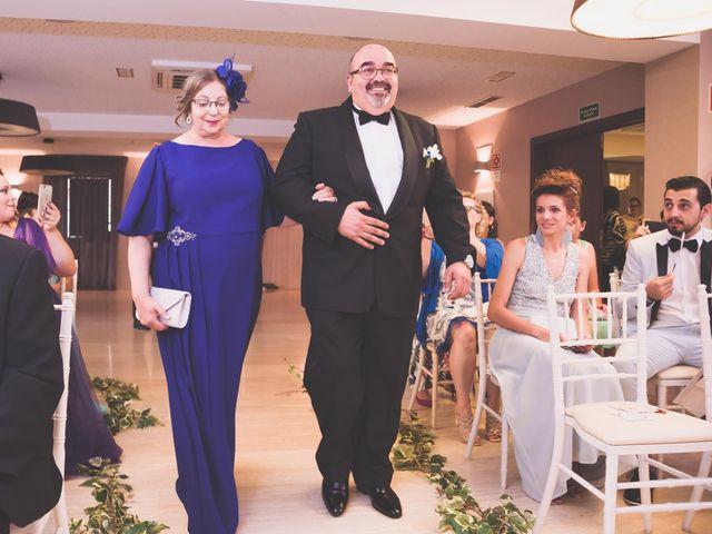 La boda de Miguel y Laura en Astorga, León 12