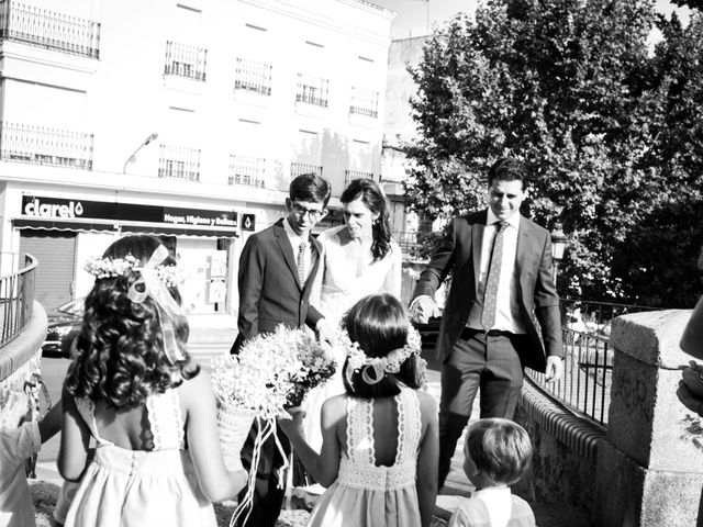 La boda de Jaime y Nina en Montijo, Badajoz 25