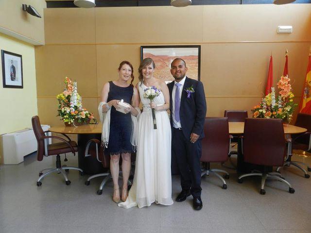 La boda de Victor y Chloe en Madrid, Madrid 5