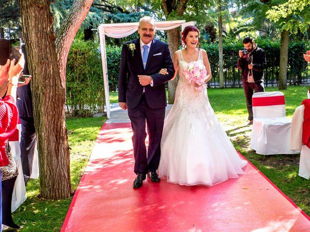 La boda de Jose y Carmen en Madrid, Madrid 23