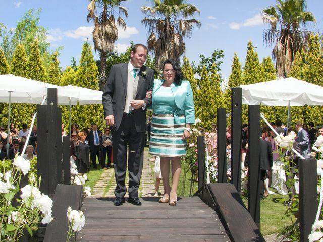 La boda de Carlos y Estela en Yunclillos, Toledo 37
