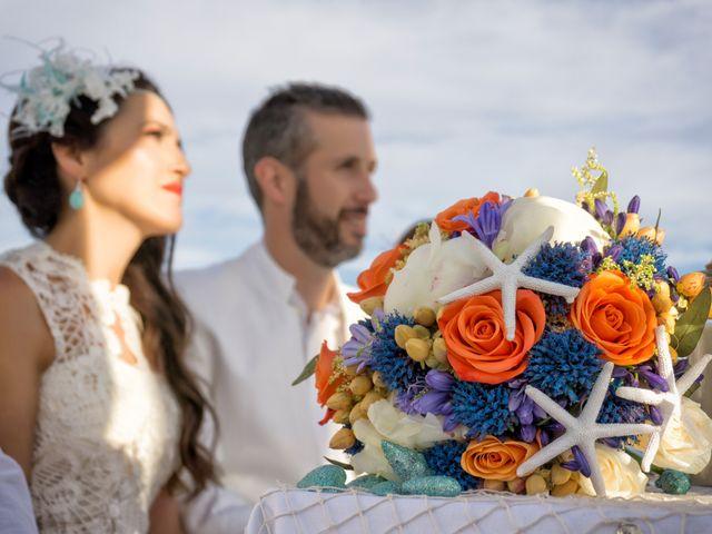 La boda de Felipe y Silvia en Motril, Granada 13