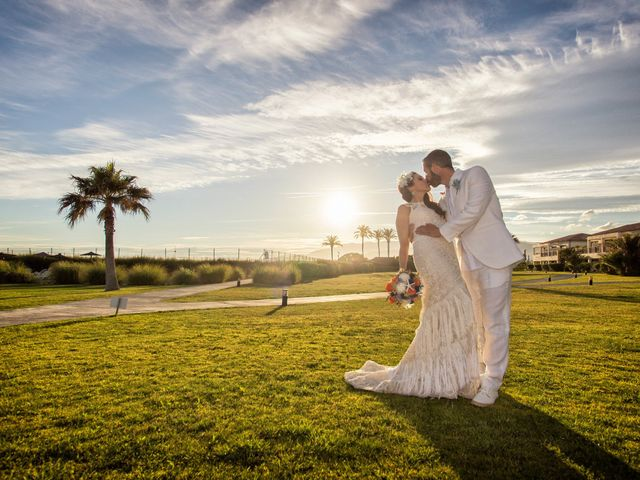 La boda de Felipe y Silvia en Motril, Granada 19