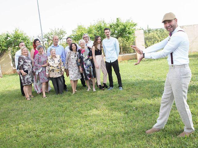 La boda de Adrián y Mari en Paiporta, Valencia 4