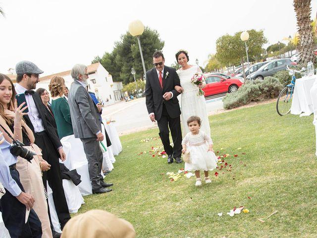 La boda de Adrián y Mari en Paiporta, Valencia 13