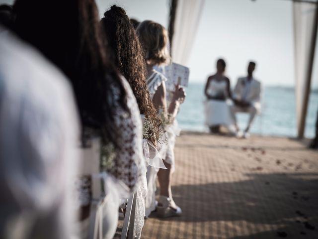 La boda de Abraham y Paula en Roses, Girona 32