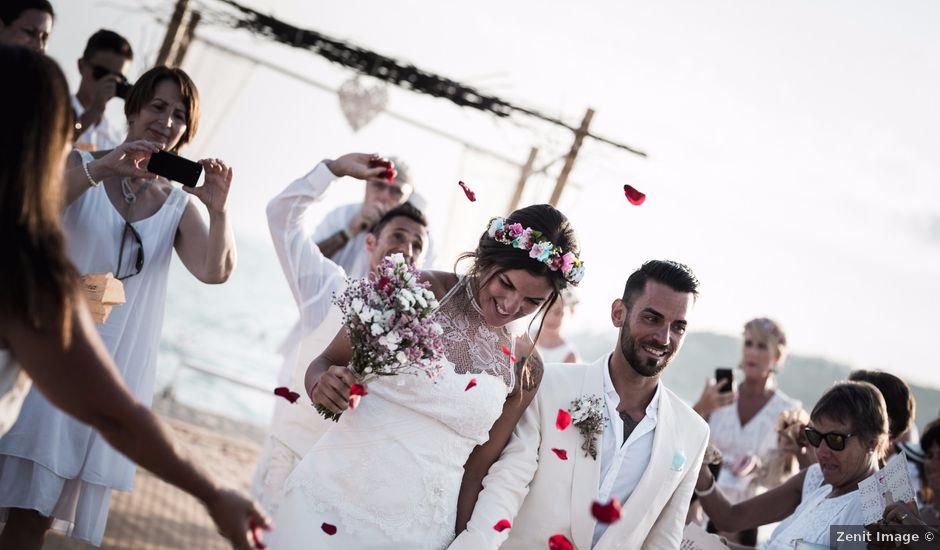 La boda de Abraham y Paula en Roses, Girona