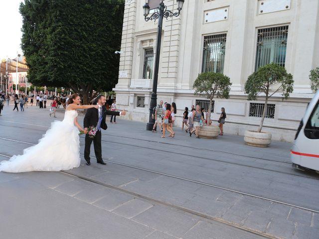 La boda de Miguel Angel y Raquel en Sevilla, Sevilla 13