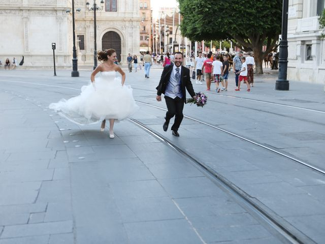 La boda de Miguel Angel y Raquel en Sevilla, Sevilla 14
