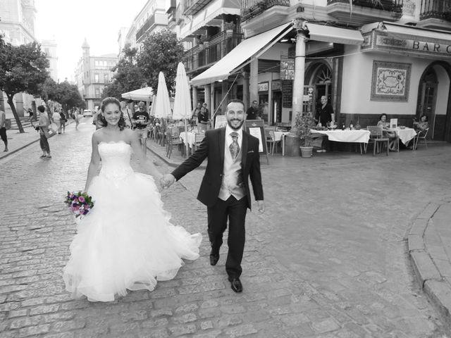 La boda de Miguel Angel y Raquel en Sevilla, Sevilla 16