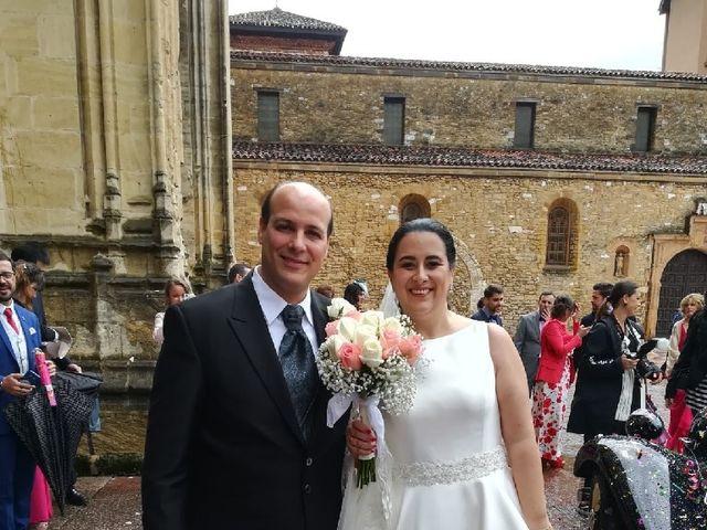 La boda de Iván y Desi en Oviedo, Asturias 1