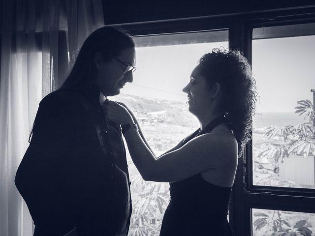 La boda de Víctor y Laura en Candelaria, Santa Cruz de Tenerife 17
