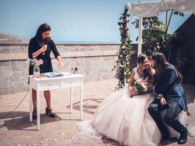 La boda de Víctor y Laura en Candelaria, Santa Cruz de Tenerife 34