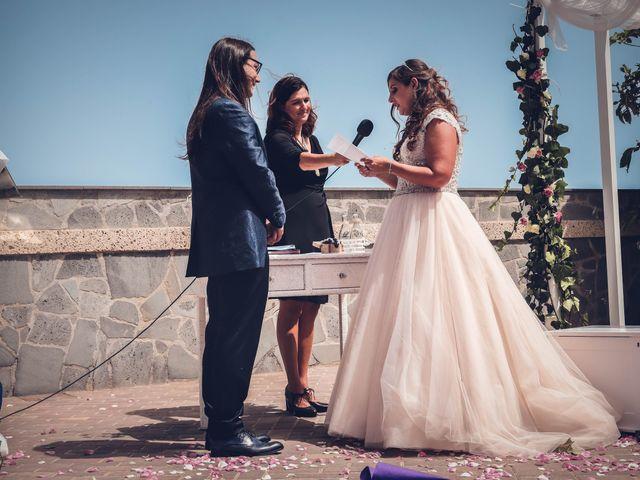 La boda de Víctor y Laura en Candelaria, Santa Cruz de Tenerife 45