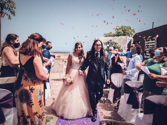 La boda de Víctor y Laura en Candelaria, Santa Cruz de Tenerife 48
