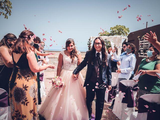 La boda de Víctor y Laura en Candelaria, Santa Cruz de Tenerife 49
