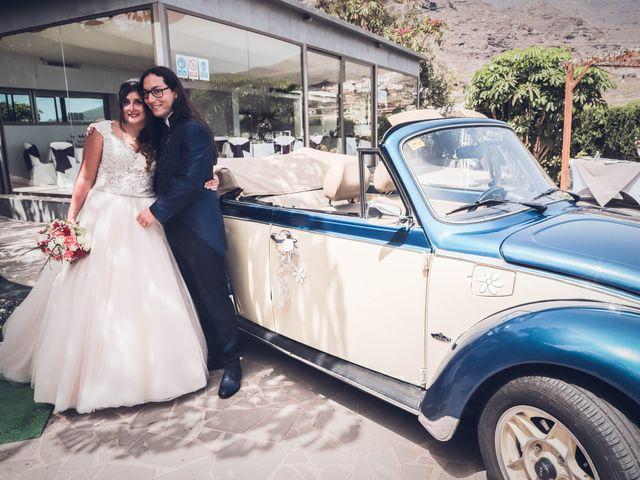 La boda de Víctor y Laura en Candelaria, Santa Cruz de Tenerife 50
