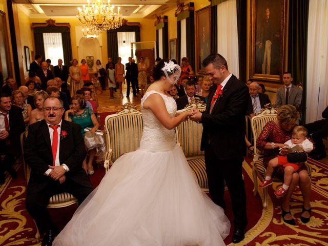 La boda de Jano y Lucía en Gijón, Asturias 33