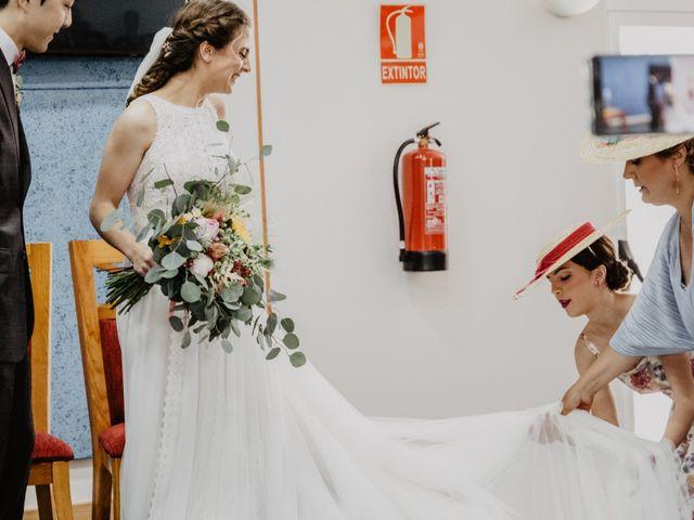 La boda de Santi y Elisenda en Huelva, Huelva 40