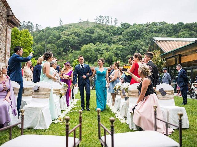 La boda de Sergio y Katia en Treceño, Cantabria 17