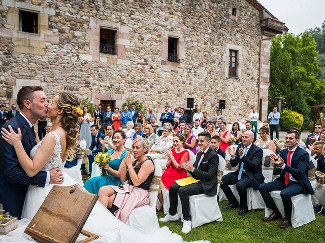 La boda de Sergio y Katia en Treceño, Cantabria 29