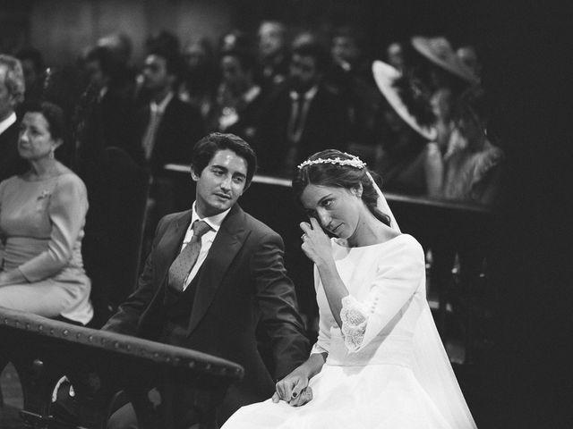 La boda de Eduardo y Patricia en Villamayor De Monjardin, Navarra 11