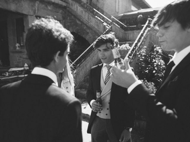 La boda de Eduardo y Patricia en Villamayor De Monjardin, Navarra 17