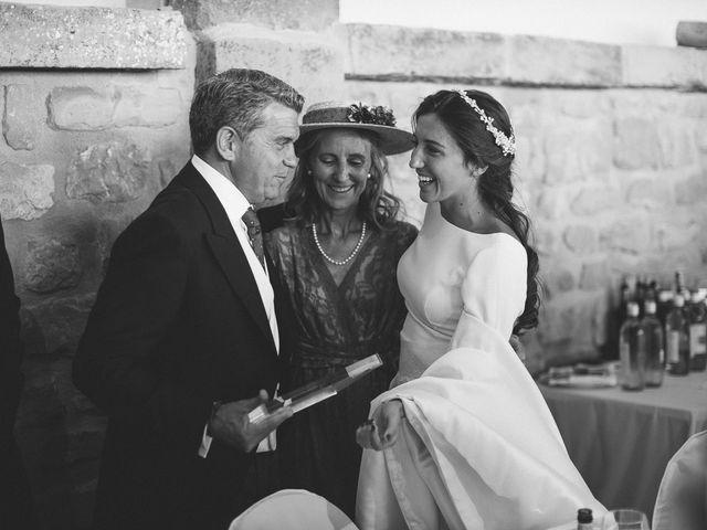 La boda de Eduardo y Patricia en Villamayor De Monjardin, Navarra 22