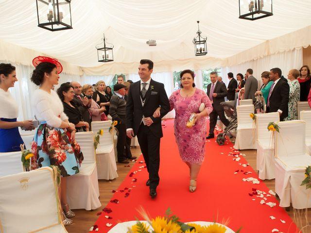 La boda de Jesús y Beatriz en Villabona (Llanera), Asturias 13