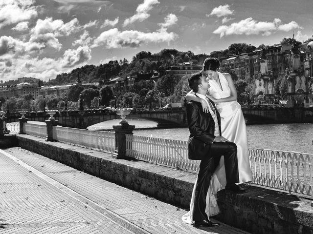 La boda de José Antonio y Leticia en Donostia-San Sebastián, Guipúzcoa 28