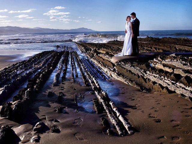 La boda de José Antonio y Leticia en Donostia-San Sebastián, Guipúzcoa 30