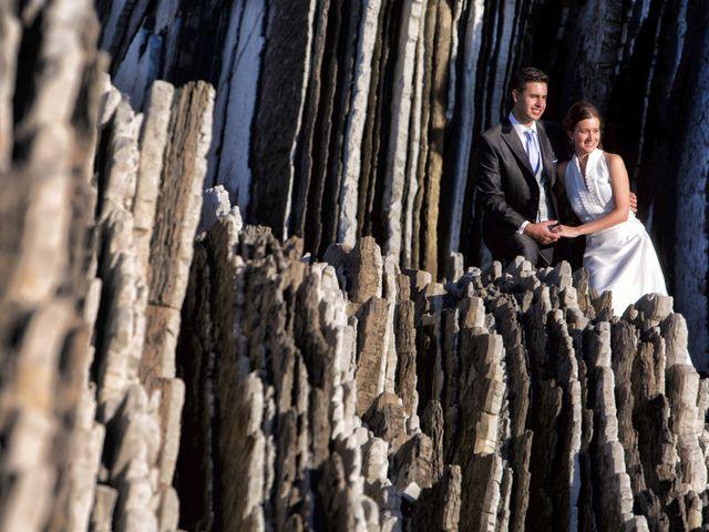 La boda de José Antonio y Leticia en Donostia-San Sebastián, Guipúzcoa 31