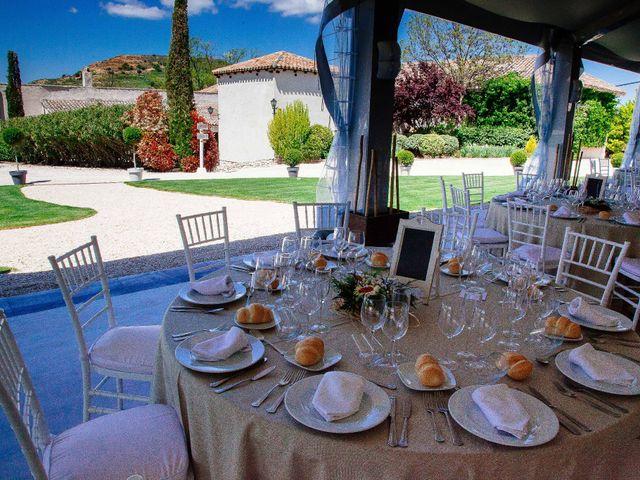La boda de Helio y Mariajo en Chinchon, Madrid 14