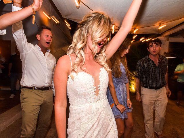 La boda de Chris y Hayley en Ciutadella De Menorca, Islas Baleares 31