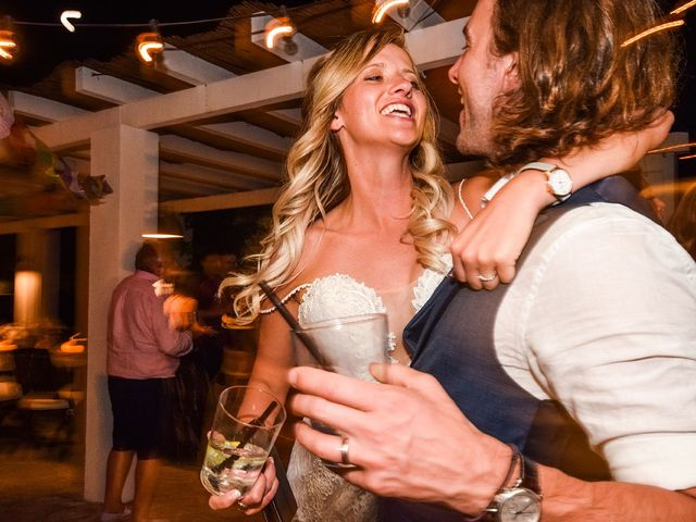 La boda de Chris y Hayley en Ciutadella De Menorca, Islas Baleares 34