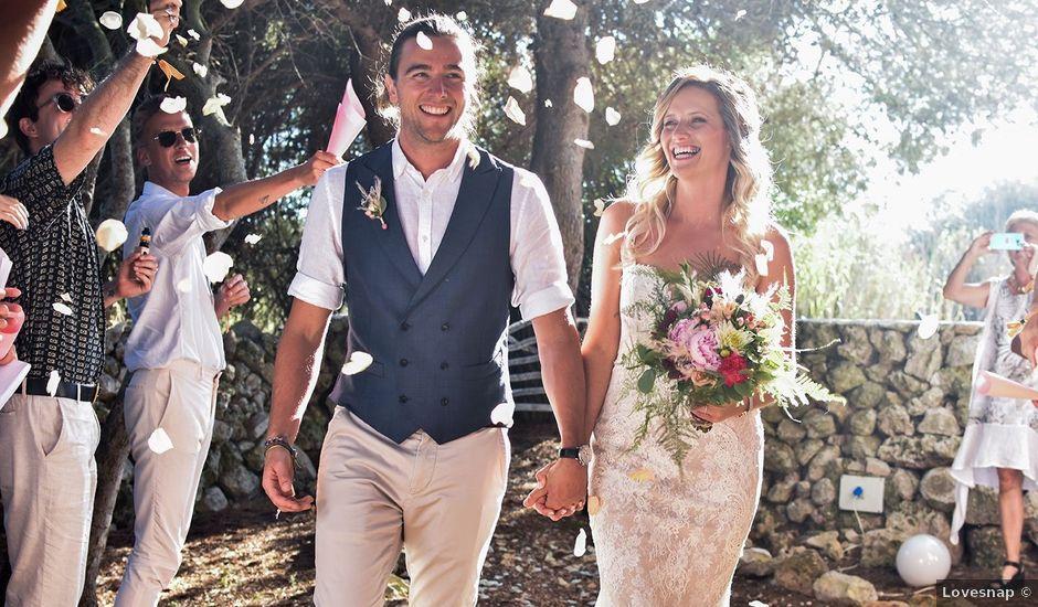 La boda de Chris y Hayley en Ciutadella De Menorca, Islas Baleares
