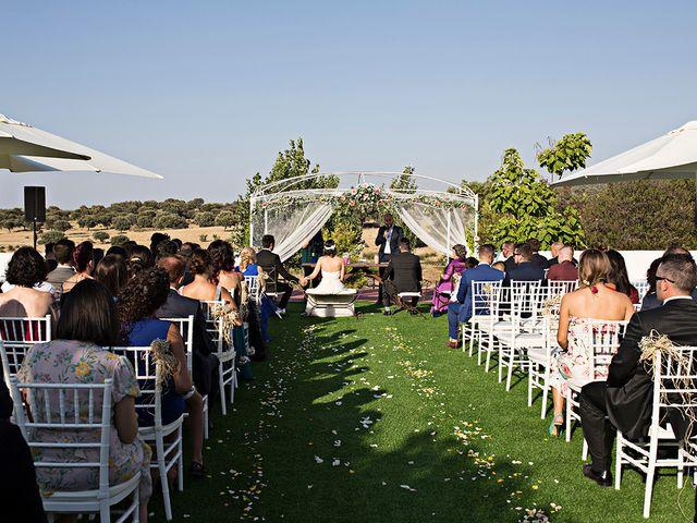 La boda de Alfonso y Rocio en Mérida, Badajoz 18