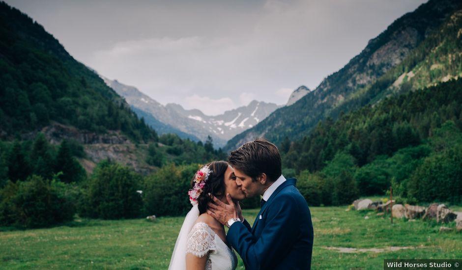 La boda de Juan y Lucía en Benasque, Huesca
