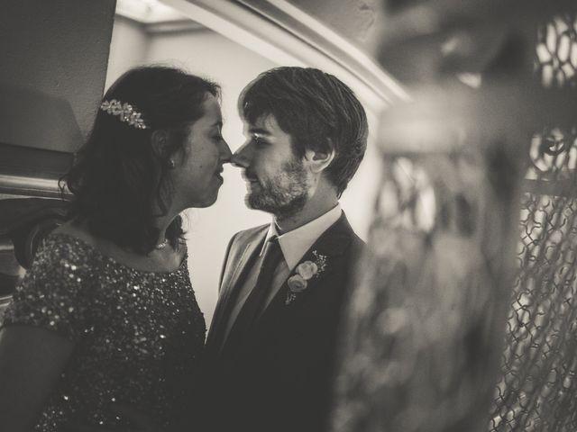 La boda de Adrián y Paula en Barcelona, Barcelona 28
