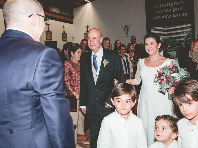 La boda de María José y Isaac en La Manjoya, Asturias 16
