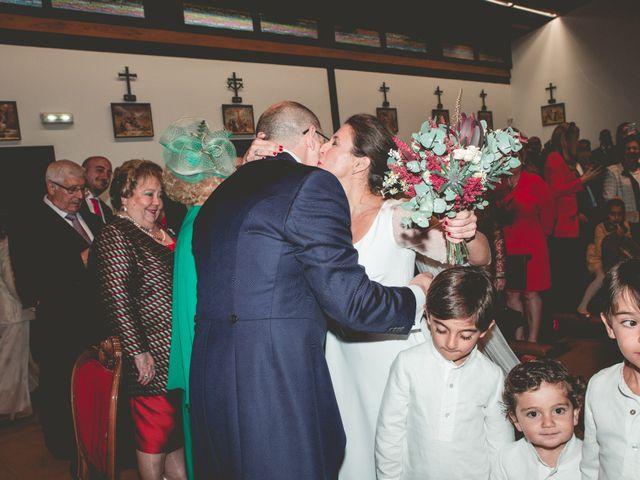 La boda de María José y Isaac en La Manjoya, Asturias 17