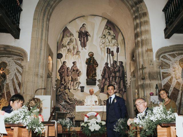 La boda de Ana y Joxe en Hondarribia, Guipúzcoa 20
