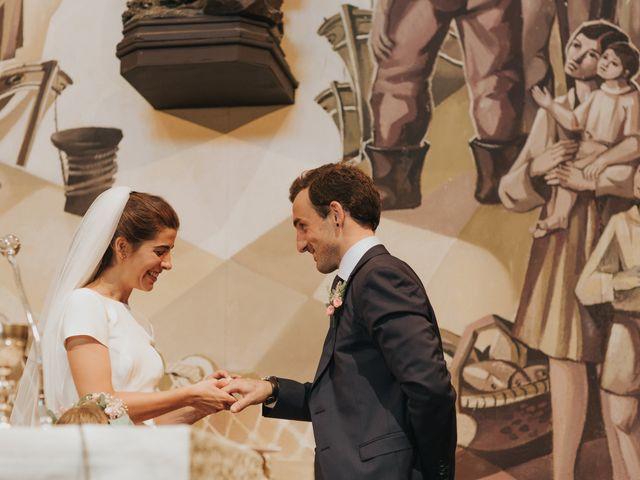 La boda de Ana y Joxe en Hondarribia, Guipúzcoa 24