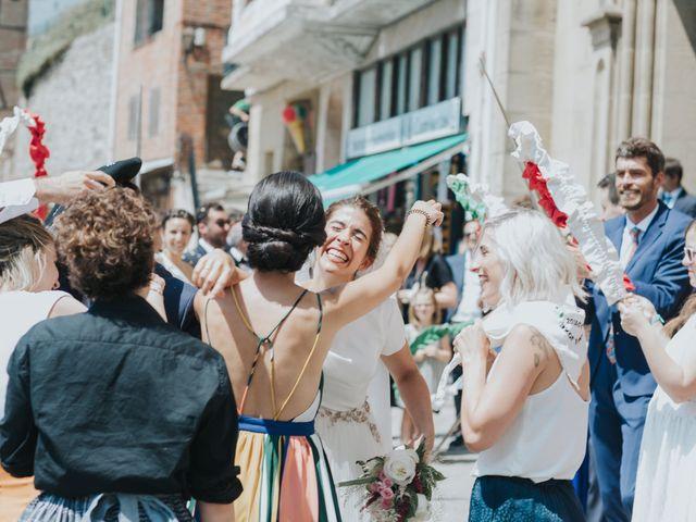 La boda de Ana y Joxe en Hondarribia, Guipúzcoa 27