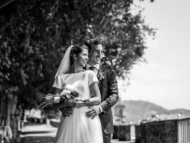 La boda de Ana y Joxe en Hondarribia, Guipúzcoa 34
